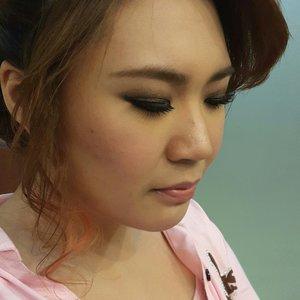 Smokey eyes#Noedit #nofilter #smokeyeyes #makeup #clozetteid #mua #makeupstudiojelambar #makeupparty