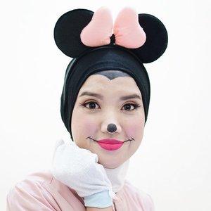 Begini nih halloween look-nya anak cupu nggak berani bikin makeup yang serem-serem. Tapi curut juga menyeramkan kan itungannya???? (iyain aja)Makeup look ini untuk kolaborasi bareng @beautiesquad. Aku juga udah nulis di blog lho http://www.shopforcheapo.com/2017/10/minnie-mouse-halloween-look.html#BeautiesquadOctCollab#BeautiesquadSpookyFace#Halloween #HalloweenMakeupLook〰〰〰#ClozetteID #ggrep #fdbeauty