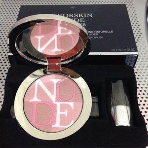 Limited Edition 2014 Diorskin Nude Shimmer Instant Illuminating Powder ; shade: Dior Rose (001) #blush #diorcosmetics #makeupjungkie #clozetteid #femaledaily