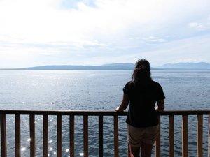 #DikArumPiknik View dari rumah embah.. Tadi habis #snorkeling dari rumah apung di pantai Bangsring. 5 menit ajah dari rumah embah. Browsing2 kayaknya #Banyuwangi lagi memercantik diri banget. Banyak tempat2 wisata alam ciamik & festival2 kota. Sayangnya ini hari terakhir di Banyuwangi, mau ke Bali lagi.  Akhir tahun aja mau @explore_banyuwangi bareng @monicaagustami dan @pokokboy!! Semoga jadi yhaaa!!! 😍  #explorebanyuwangi #explore_banyuwangi #exploreindonesi #pesonaindonesia #clozetteid