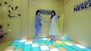 Pingin foto-foto sambil joget asyik?NESCAFÉ MASHUP WORLD dapat dikunjungi secara gratis mulai tanggal 31 Maret sampai 7 April 2019 di Sarinah, Jakarta PusatBuka Senin - Sabtu pukul 11.00 - 22.00 WIBMinggu, pukul 08.00 - 21.00 WIB.Kuy kesini!In frame : @aryanatar @tukangngider @ajenglembayungBtw versi lengkapnya bisa ditonton di YouTube.com/Lindaleenk#Vlogger#Blogger#Lindaleenk#Ootd#ClozetteID #CobainSerunyaDuniaBaru