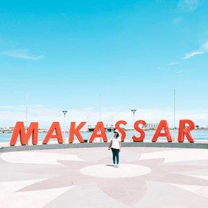 Berberes file di hardisk malah menemukan foto ini.Jadi inget pernah sengaja dua minggu stay di Manado dan Makassar. Dua minggu yang super kenyang dengan makan, tidur, dan sempat main air sebentar ke tanjung bira.Sayang semua cerita itu malah lupa ditulis ke blog 🤣🤣Kalian ada yg senasib ga?Punya cerita yang anteng aja tersimpan rapi di draft dan ga kelar-kelar.#ootd#ClozetteID#Makassar#ExploreSulawesi#Travelgram#Throwback