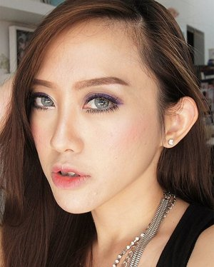 I am bored with red , gold and green look for the Christmas look so I opt for this. Because it's rainy season here in Indonesia,  I choose cool colors for eyes : purple for the eyeshadow, purple and blue and silver for eyeliner. But then combined with rosy winter cheeks and natural gradient korean lips.  TaDAaaa! Tolong diabaikan itu jerawat 😕😕😕 #Eyeshadow is from @urbandecaycosmetics #vice3 #vanity and reign Eyeliner is from @revlonid colorstay liquid and pencil liner  #blushon is from @maccosmetics  #Lipstick is from #MAC #dubonet #eyebrow is #NYX  #makeup #mua #makeupartist #clozetteid #clozettebeauty #selfie #beautyblog #beautyblogger #bblogger #bblog #indonesiabeautyblogger #jakartamua #ibb #fotd #motd #eotd #potd #instabeauty #like #like4like