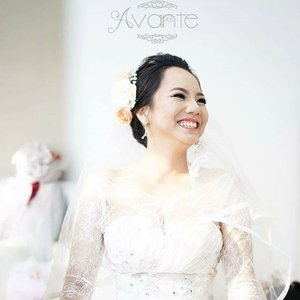 It's my pleasure to help beautifying you on your very special day... very happy seeing happy and beautiful bride.  Soft makeup for Ruth's holy matrimony  HMUA by me  Contact me or directly email to info[at]avante-studio.com for any inquiries.  #makeup #mua #makeupwedding #weddingmakeup #thebridestory #weddingku #weddingvendor #makeupartist #jakartamua #muajakarta #muabekasi #makeupartistbekasi #grandgalaxycity #softmakeup #natualmakeup #clozetteid #clozettebeauty #clozette #wedding #weddinggown #gown #makeupbymuktilim #like4like
