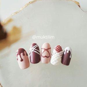 Something sweet everyone? Chocolate?? . .  #nailbymuktilim . . #nail #nailart #potd #picoftheday #instanails #beautyblogger #nailartindo #beautybloggerindonesia #indonesiabeautyblogger #bloggerperempuan #clozetteid #clozette #clozetter #fdbeauty #femaledaily #bloggerindo #naildesign #beautyvlogger #beautyjunkie #nailporn #notd #like #like4like #likeforlike #nailjunkie #nailartjakarta #nailartisindonesia #nailartist #nailswag