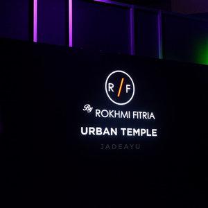 """Koleksi yang ditampilkan dari @rf_label dinamakan """"Urban Temple"""" yang terinspirasi dari kecantikan candi yang dimiliki oleh Indonesia....#RFmodestwear#RFtravelfashion#RFmodesttravelfashion#travelmodestfashion#muslimfashionfestival#modestfashionindonesia#modestwearindonesia#brandlokalindonesia#uniquemodestwear#comfortstyle#modernstyle#hijablookfortraveler#travelinstyle #clozetteid"""