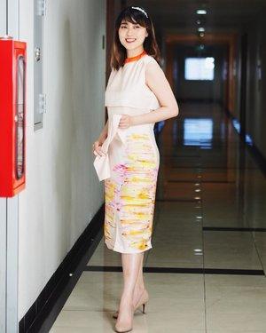 What is feminine means to you?? Dont think so hard and Happy Sunday everyone... . . Im using Skyline Dress from @yingthelabel .. so comfortable with the smooth silk fabrics.. . . . . . . . #feminine #Clozetteid #StyleBlogger #FashionPeople #OOTD #POTD #FashionPhotography #FashionBlogger #OOTDIndo #StreetStyle #스트릿스타일 #스트릿록 #UrbanFashion #FashionVibes #OOTDStyle #OOTDJakarta #Fashionable #GGRep #LikeforLike #Style #FashionInfluencer #LookbookIndonesia #VSCOCam @ootdindo @ootdmegazine @lookbook @lookbookindonesia