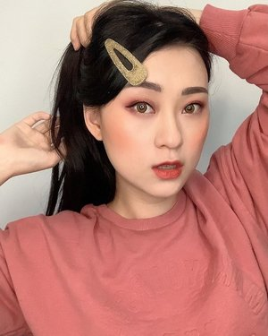 HAPPY SUNDAY... rencana kalian apa nih hr ini??? i need to work outside today.. so keep safe ya guys, ttp makesure take your vitamin and try to less contact with public.. sering2 cuci tangan .. MANGAATT.. . . . . . . . . #beauty #makeup #koreanmakeup #뷰티스타그램 #뷰티그램 #아이섀도우 #셀카스타그램 #셀피스타그램 #뷰티 #머리스타일 #selfie #clozetteid #메이크업 #메이크업그램 #메이크업스타그램 #happysunday #sundayfunday #keepsafe #workhard #chill