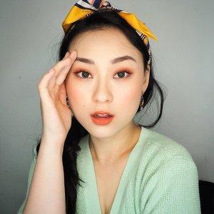 Jarang2 bikin makeup look kaya gini.. lg iseng bikin fake mole.. next bikin dmn ya?? btw tutorialnya ada di post sblm ini ya.. cus dicek, gampang banget buatnya... mata pipi sama bibir cm pake 1 produk lip cream ajah.. . . . . . . . . . #makeup #beauty #koreanmakeup #peachmakeup #orangemakeup #fakemole #fakefreckles #baddie #clozetteid #selfie #undiscovered_muas #stayathome #dirumahaja #makeuptutorial #hisafututorial #셀카스타그램 #셀피스타그램 #뷰티스타그램 #메이크업스타그램 #morningpost #happymonday #아이섀도우
