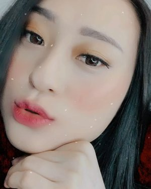 Cooking something for my youtube channel.. ini sneak peek nya dulu ya.. ini pertama kalinya aku pake brand ini dan ternyata....... tungguin yaaa jd skrng subscribe duyu di https://youtube.com/c/hisafu .. . . . . . . . . #youtubechannel #youtuber #makeup #beauty #trymereviewme #koreanmakeup #clozetteid #makeuptutorial #뷰티스타그램 #뷰티그램 #셀카스타그램 #셀피스타그램 #아이섀도우 #립스틱 #lipstick #cushion #youtuberindonesia #makeupreview