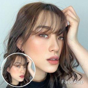 Boleh ya atu lagi.. Ini cm pake star ajah.. berasa mirip jedar haha.. setelah ditelaah, yg berubah selain makeup pastinya itu paling keliatan si bibir.. hhmm filler bibir gak nih?? . . . . . . . . . #faceapp #faceappchallenge #makeup #beauty #application #beautyapp #셀카스타그램 #셀피스타그램 #뷰티스타그램 #메이크업스타그램 #아이섀도우 #sodifferent #clozetteid #oplaschallenge #oplas @faceapp.official #filler #lipfiller #fillers #lip