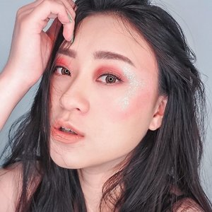 EDISI CURCOL: Rasanya mau nangis kalo HDD isi kerjaan tiba2 rusak .. salah satunya video tutorial makeup ini.. ada yg tau gak benerin HDD dmn yg oke dan murah.. . . . . . . . . . #makeup #editorialmakeup #beauty #koreanmakeup #freshmakeup #beautyaddict #뷰티스타그램 #셀카스타그램 #셀피스타그램 #아이섀도우 #makeupkorea #makeupideas #clozetteid #curcol #hdd