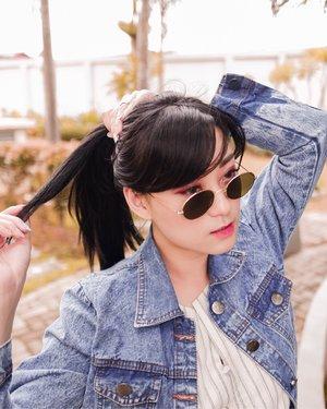 Helllow saturday.. karna lg musim bapil, jangan lupa minum air mineral yg banyak .. // sunglasses from @ . . . . . . . . #saturday #glasses #clozetteid #sunglasses #partnershipwithhisafu #셀카그램 #셀카 #style #stylelook #beauty #makeup #뷰티 #아�섀�우