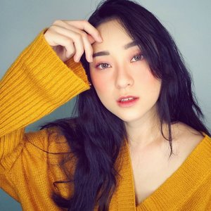 Makeup panas dingin masih IN gak sih?? btw blm nyelametin orang2 yg puasa nih disini.. Selamat puasa ya temans yg berpuasa.. btw puasa pas wfh / #dirumahaja gini lbh gampang ato makin susah sih?? . . . . . . . . . . . . #selfie #makeup #beauty #koreanmakeup #japanesemakeup #selamatpuasa #happybreakfasting #breakfasting #undiscovered_muas #baddie #clozetteid #happywednesday #wednesday #stayathome #wfh #셀카스타그램 #셀피스타그램 #뷰티스타그램 #메이크업스타그램 #아이섀도우 #puasa
