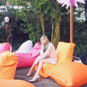 Happy Blessed Eid and Happy long weekend everyone 💖💖💖 . . . . #beautynesiamember #clozetteid #beautyblogger #fblogger #blogger #beauty #l4l #bblogger #styleblogger #ulzzang #fashionpeople #vscocam #beautyinfluencer #beautyenthusiast #youtuberindonesian #indonesianfemaleblogger #beautychannelid #ootd #makeupjunkie #블로거 #스트릿스타일 #샐가 #샐피 #패션모델 #뷰티 #bloggerceriaid #eidmubarak #longweekend