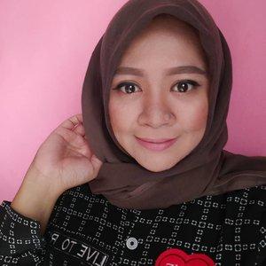 👠💄👒👝👢👜 #makeup #makeupaddict #makeupjunkie #makeupobsessed #makeupporn #makeupcollection #instamakep #dailymakeup #makeuporganization #blogger #beautyblogger #indonesianbeautyblogger #beauty #instabeauty #blush #fdbeauty #highlighter #bronzer #lipstick #lipstickaddict #lotd #lipstickcollection #motd #makeupoftheday #fotd #makeuplook #makeuplover #makeupmafia #ilovemakeup #clozetteid