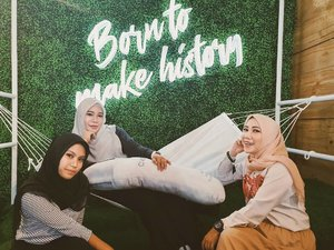 Having a sister is like having a best friend you can't get rid of. You know whatever you do, they'll still be there.- Amy Li...#sisterhood #sistersquad #sisterstilljannah #Family #InstaDaily #instagood #ootdhijabindonesia #clozetteid #ootd #hotd #hijaber_indo #hijabinfluencersnetwork
