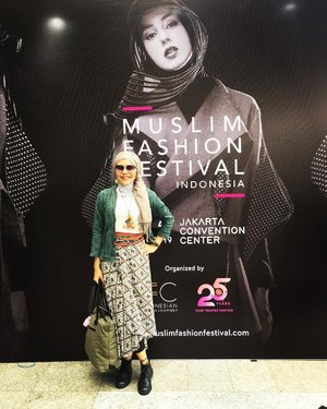 Muslim community, well known as potential target yet marketers. Both were shown at @muslimfashionfestival held last week, welcoming the fasting month and upcoming celebration day calles Eid. Thank you @kumparancom for having me as one of the witnesses of the growing modest fasthion at the country. Pictures of the styles will be uploaded soon..#clozetteid #lifestyle #temankumparan #percayakumparan #muffest #muslimfashionfestival #fashion #fashionate #fashionblogger #fashionable #modestfashion