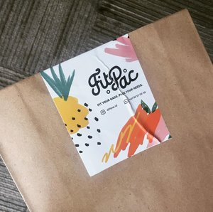 Inside this cutie envelope, you'll find a travelmate that fit all your needs. Swipe left to see it Visit @fitpac.id to own it . . #clozetteid #lifestyle #instagood #reusablebag #totebag #lessplastic #zerowaste #zerowastelifestyle #recyclemorewasteless #IndonesiaBersihSampah2025 #awastefreeworld