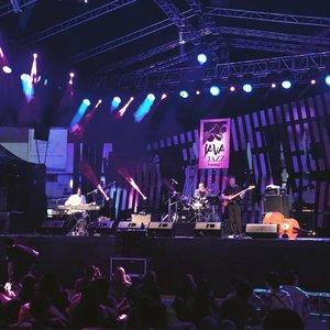 Hello @stanleyjordanofficial glad to see your performance tonite at @javajazzfest . . #clozetteid #lifestyle #javajazz2017 #xljavajazz #jaringanXtra #music #instahappy #jazz #JJF2017