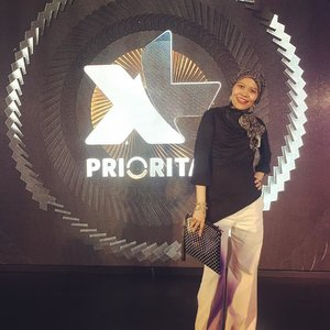 Am very rare wearing monochrome-black-white and when it's happened this must be special occasion ...#clozetteid #OOTD #lifestyle #PRIOAppsBooster #HOTD #fashion #fashionista #fashionableme #monochromatic #monochrome #hijabi #hijabfashion #hijabfashionstyle #xlprioritas #latepost