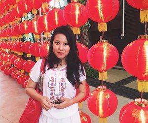 Forgot to post this earlier during the lunar new year, but hey .... Red is one of my fave color ❤️🏮🏮 . . . . #justme #lantern #colorsofinstagram #makeportraitsnotwar #postthepeople #starclozetter #clozetteid