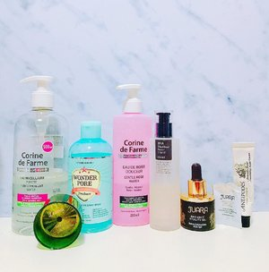 { #blog } | Last night's routine : . 🌸 Cleanse : #CorineDeFarme Purity Micellar Water PH Balancing Toner : #EtudeHouse Wonder Pore Freshner Hydrating Toner : @corinedefarme_id Gentle Rose Water Actives : #CosRx BHA Blackhead Power Liquid Face Oil : @juaraskincare Radiance Vitality Oil Moisturizer : #Antipodes Avocado Pear Night Cream Eyecare : #Juara Eye Cream . Extra : #BathBodyWorks Leaves Candle for mood booster . 🌸 . . . . . . #skincaregram #skincarediary #skincareblogger #kbeauty #skincareregime #skincarecommunity #rasianskincare #gowiththeglow #youthfulglow #beautyblogger #bloggerperempuan #ykskincare #skincaregoals #instablogger #fdbeauty #clozetteid