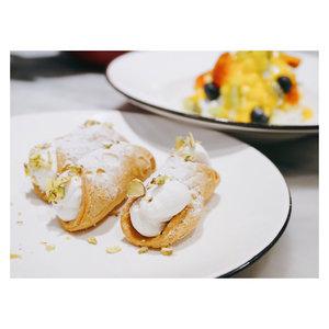 Relaunching promo di Pizza Marzano / Pizza Express Kemang. Lumayan diskonnya ❤️ Plus tiap hari Selasa kalo pake baju garis2 dapet diskon extra 😃 . . . . . . . . . #foodie #whatieat #fooddiary #makanapa #anakjajan #foodgasm  #eeeeeats #foodies #먹스타그램 #nomnom #clozetteid #multiplephotos