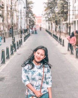 "Masih edisi #throwback, I wish I could spend a longer time in Semarang, especially because it's an old city with lots of history behind it. There are many spots I would like to visit, and would like to explore the local food even more since my first attempt at Babat Gongso was a successfull one 😁⁣ ⁣ Try Babat Gongso Pak Karmin in Johar area (google map it). The location is not far from this ""kota lama"" spot I was standing in this photo 😉 ⁣ ⁣ ⁣ ⁣ ⁣ ⁣ ⁣ .⁣ #kotalamasemarang #exploresemarang #roadtrip #yktripdiary #travelogue #sheisnotlost #clozetteid⁣"