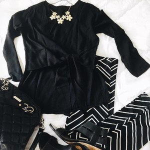 Really into #blackandwhite mood lately ... ▪️▫️▪️▫️▪️▫️...#monochrome #monochromeoutfit #bw #lookbook #blackwhiteoftheday #outfitideas #whatiworetoday #currentlywearing #flatlay #stylegram #clozettegirl #clozetteid