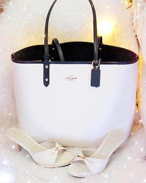 """Tote bag"" for #uploadkompakan #uktotebag_jog  Sekalian edisi #matchingbagandshoes 🙂☀️ . . . . @uploadkompakan #totebag #bagoftheday #tpf #purseforum #botd #todaysbag #shoesoftheday #shoestagram #mywardrobe #stylefile #whiteonwhite #fblogger #itsdarling #clozetteid"