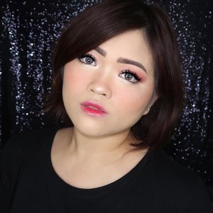 My version of Korean look, what y'all think? 🤗..PRODUCT USED @ponyeffect_seoul Cushion Foundation #ponyeffect @laneigesg two tone Shadow Bar *Milkyway Burgundy and *Smoky Dust @jafra_id Creme Blush *Cashmere Peach #jafra #jafracosmetics @fentybeauty Killawatt Highlighter Duo *Lightning Dust @fentybeauty Gloss Bomb #fenty #fentybeauty #fentyfamily @diormakeup Lip Tattoo *Natural Cherry #dior #diormakeup