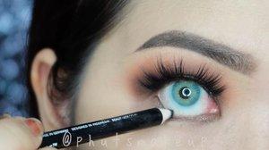 Classic smoky eyes using affordable products 😉..@nyxcosmetics_indonesia Lid Lingerie #nyxcosmetics #nyxcosmeticsid @nyxcosmetics @silkygirl_id Big Eyes Mascara #silkygirl @wnwcosmetics Mega Glo Highlighter *precious petals @wetnwildbeauty #wetandwild