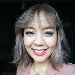 Trying out new local lip cream!Which one is your fave?All shades are from @poppydharsonocosmetics Thanks @femalebloggersid for the chance to try out this great #madeinindonesia cosmetic.#ifbxpoppydharsonocosmetics #poppydharsonocosmetics #clozetteid #motd #lotd #lips #makeup #todaymakeup #selfportrait #lipstickreview #lipswatch #localcosmetics #potd
