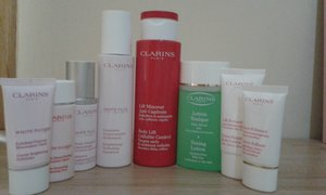 Clarins white HP luminescent, toner & high definition body lift