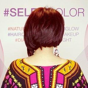 Hellooow new hair... . . . #ClozetteID #ClozetteIDReview #IrwanTeamxClozetteIDReview #IrwanTeamReview #SELFIECOLOR #IrwanTeamHairDesign #IrwanTeamPIM #LorealProID #hairstyle #hairmakeover #shorthair #redhair #hairideas #irwanteampondokindahmall #loreal #lorealpro #lifestyle #lifestyleblogger #review
