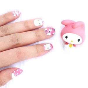 The happiest girls always have a prettiest nails. 💄🐰Nail sticker: @nailart_shops  #piccha #review #impiccha #blogger #beautyblogger #beautybloggerbandung #bloggerbandung #beautybloggerbdg #bloggerceria #clozette #clozetteid #nailart #nailsticker #nailartshops  #sociollablogger #nail #hellokitty #mymelody #pink #quotes