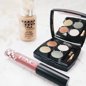 Ini produk yang aku pakai untuk bikin makeup look bold *tapi ga keliatan bold 😭. Salah satu wishlistku ingin belajar makeup, wedding makeup tapi ke diri sendiri self makeup.  Ada rekomend MUA Bandung untuk self makeup tapi bold? Wedding Look 😂😂😂😂. Kira-kira MUA yang masih pakai @pac_mt ada ga?  #blogger #impiccha #piccha #tribepost #bandungbeautyblogger #clozetteid #pac #produklokal #makeuplokal #eyeshadow