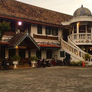 Kotagede 🌟..#explorejogja #kotagede #visitindonesia #silverjewellery #beautifuldestination #abmtravelbug #clozetteid #travelpics