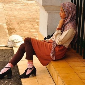 Hoping I can catch up all things I must completed this week... ✨💪..#everydaymagic#ofwhimsicalmoments#outfit#ootd#clozetteid#blogging#photography#worktodo#organizing#abmstyle#hijabstyle#retrostyle#tstrapshoes#ifbootd