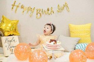 First time having my 🍰 ~ @kayla.eliana.#birthdaygirl #ClozetteID #babyphotography
