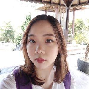 Ngerasa ga sih akhir2 ini mulai panas lagiii.. Silau yes silauuu... Backlight cyn! Hot and sweat is real 🥵.Kapan Bali dingin?...#Clozetteid #selfiesunday
