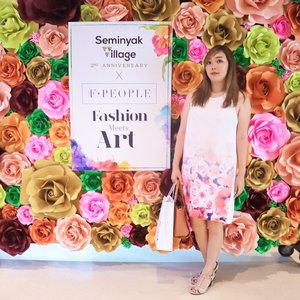 When your outfit matches your background, you just wanna blend right into it 🌺 . Congratz @seminyakvillage for the 2nd anniversary and @the_fpeople for the opening of @thefstudio . @lhotelsresorts  #clozetteid #sv2ndanniversary #SvFashionMeetsArt #fashion #beauty #balibeautyblogger #balifashion #balifashionshow #fashionmeetsart #wanderer #balievent #baligirl #art #ootd