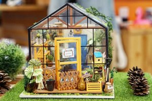 Belakangan di semua SONY official store ada prop buat foto, lucu-lucu deh 😍#photo #sony #photooftheday #photography #hello #love #miniature #props #garden #house #Clozetteid #igdaily #igers