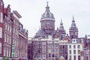 Sint Nicolaaskerk Amsterdam  #amsterdam #kids #travelingkids #ClozetteID #winter #winterholiday #amsterdamwithkids #worldtraveler #letsgo #trip #photooftheday #love #travelwithCarnellin #winter