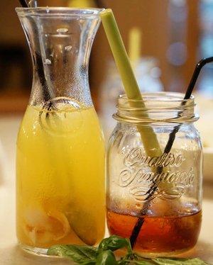 Pandan tea and Lychee jello.. Biar hujan tetep minumnya es 😁#love #drinks #pandantea #lychee #tea #icetea #clozetteID #drinkup #drinkoftheday #lychee #yums