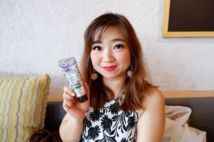 Review hand cream dari yang rich and wangi banget dari @kosecosmeportid  ke koleksi hand cream @loccitane_id Almond dan Rose.Video di youtube.com/Carnellinhttps://youtu.be/RAGydffuJaA#beauty #carnellinstyle #love #igvideo  #motd #lotd #ootd #photooftheday #photography #lookoftheday #loccitane  #skincare  #design  #almond  #style #styleoftheday #ClozetteID#beautiful  #kosecosmeport  #kose  #video  #youtube #igbeauty #handcream  @kosecosmeportsg