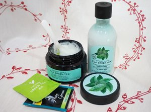 Buat yang suka banget sama produk Big dari Lush, you really should know that The Body Shop juga punya scalp and hair scrub that will create volume and intense clean feeling.The review is up on why you should try @thebodyshopindo Fuji Green Tea seriew, at least the scrub 😍http://whileyouonearth.blogspot.co.id/2017/10/the-body-shop-fuji-green-tea.html?m=1#thebodyshop #scalpcare #thebodyshopindo #hairstyle #haircare #motd #ootd #beautybloggerindonesia #beautyblogger #bblogger #lotd #makeup #cosmetic #clozetteid #lookbook