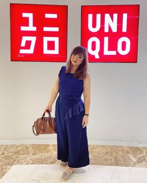 (baru tau) ternyata design toko Uniqlo di Jepang, itu sangat dinantikan lho. Tiap seasonsnya, mereka selalu punya fresh ideas yang bikin layout dan design tokonya sangat menarik. ————-wearing #jumpsuit by @paisielondon ————- #uniqlo #design #layout #designinterior #designinspiration #beauty #carnellinstyle #love #dresses  #motd #lotd #ootd #photooftheday #photography #lookoftheday #outfit #outfioftheday #outfitinspo #lookbook #style #styleoftheday #ClozetteID#dressup  #igbeauty #blue  #Jakarta  #blueoverall