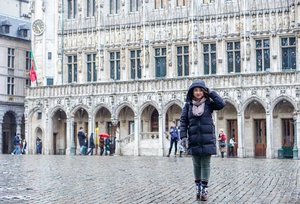 Raining really bad here, and the wind doesn't help either. #traveldiary #brussels #ClozetteID #letsgo #travel #jalanjalan #winterholiday #winteroutfit #ootd #motd #lotd #potd #outfitinspo #carnellinstyle #hello #travelwithCarnellin